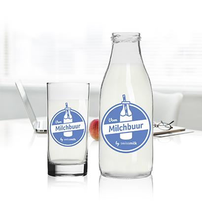 Milch in Glasflaschen