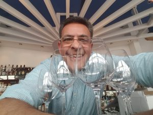 The tester of the wine glass Juan Bucher