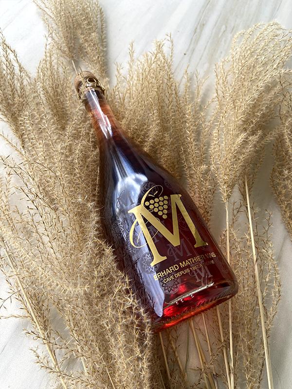 Personalisierte Schaumweinflasche von Erhard Mathier Vins