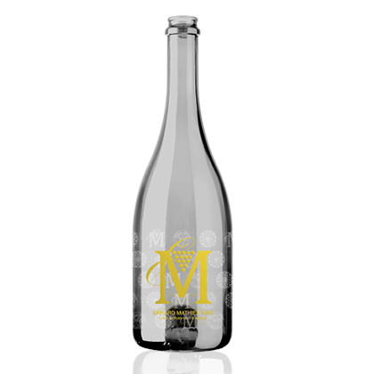 Personalized sparkling wine bottle